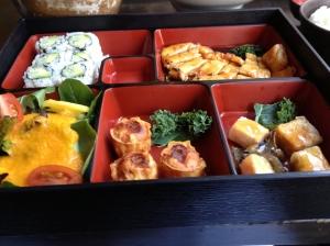 Sushi Damo bento box